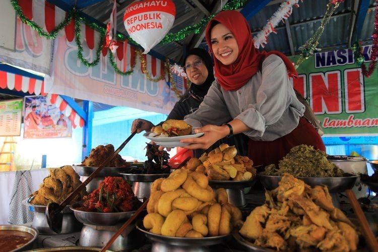 Gastronomi Sebagai Branding Wisata Ekonomi Kreatif Indonesia.